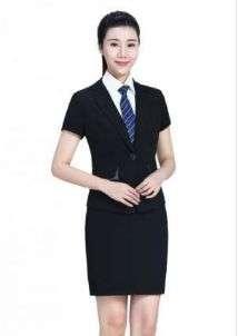 定制职业装套裙应该如何选择?